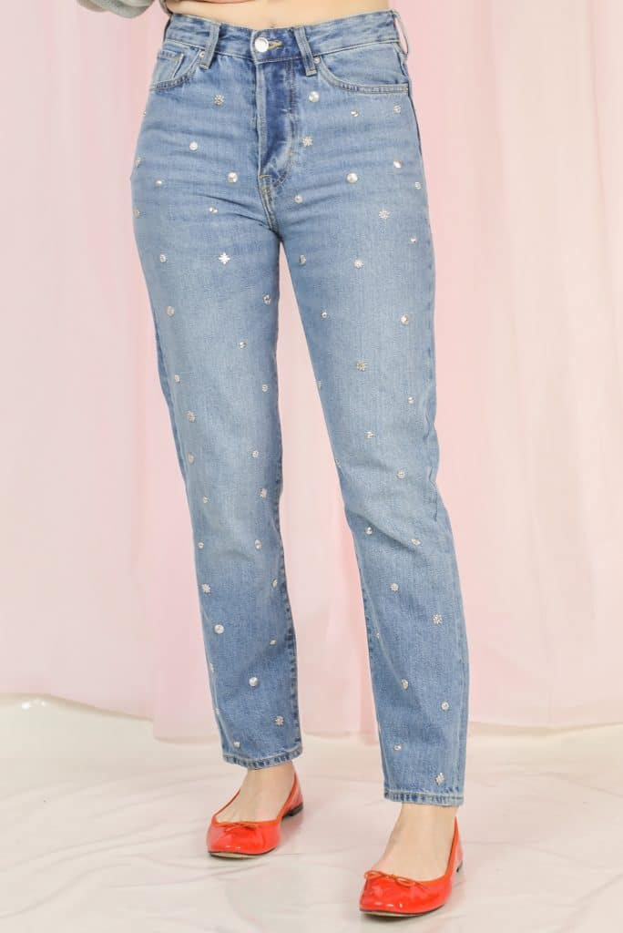 Jeans with rivets