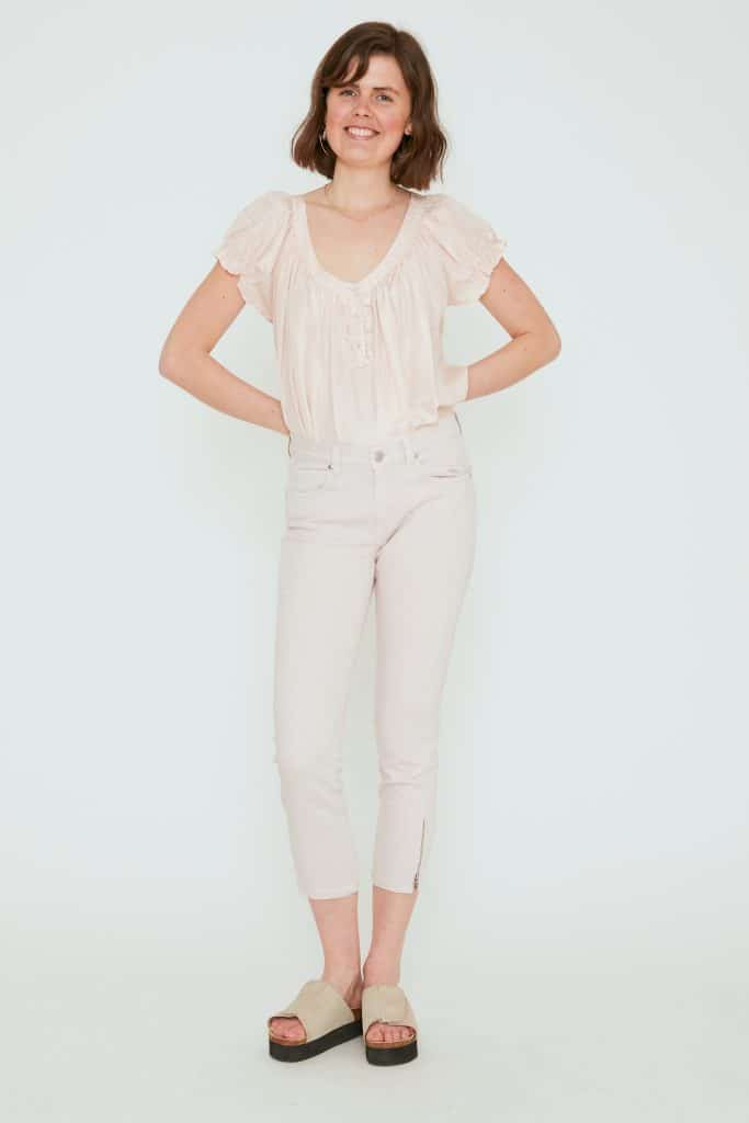 Sand cropped skinny jeans